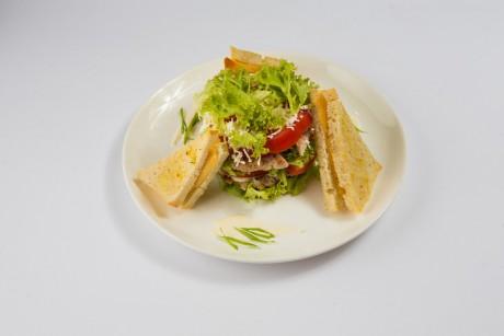 teplyi-salat-zi-svynynoiu